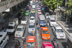 Bangkok, Thaïlande - 21 décembre 2015 : Junct de sathorn d'embouteillage Photo libre de droits