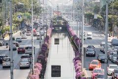 Bangkok, Thaïlande - 21 décembre 2015 : Le trafic à la route i de sathorn Image libre de droits