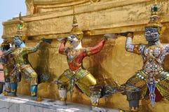 Bangkok, Thaïlande : Danseurs grands de Khong de palais Images stock
