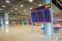 BANGKOK, THAÏLANDE - 1ER FÉVRIER 2018 : Fermez-vous du signe instructif de la région de retrait des bagages, à l'intérieur de Ban Photos libres de droits