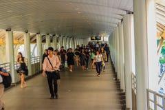 Bangkok, Thaïlande - 28 février 2017 : Passagers qui travaill dans S Photos libres de droits