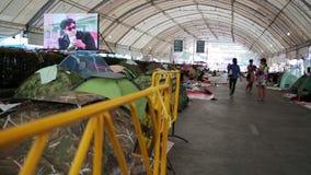 BANGKOK, THAÏLANDE - FÉVRIER 2014 : Protestations d'arrêt de Bangkok clips vidéos