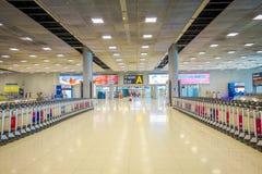 BANGKOK, THAÏLANDE - 8 FÉVRIER 2018 : Vue d'intérieur des chariots de bagages à l'aéroport de Suvanaphumi, Bangkok, Suvarnabhumi Photographie stock libre de droits