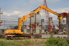 BANGKOK, THAÏLANDE - 7 juin 2015 : Ligne train de ciel Co de centre de MRT Photographie stock libre de droits
