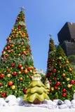 Bangkok, Thaïlande : Le 3 décembre 2017 décoration de Noël avec l'arbre de Noël, la Santa Claus Sculpture, le renne et toute autr Photographie stock