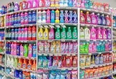BANGKOK, THAÏLANDE - 22 MAI : Le supermarché de Foodland dans le jardin de Victoria à Bangkok stocke entièrement de diverses marq photo libre de droits