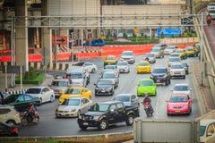 Bangkok, Thaïlande - 8 mars 2017 : Confiture de circulation dense chez Ladprao Photographie stock libre de droits