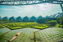 BANGKOK, THAÏLANDE - 15 MARS 2018 : La vue extérieure du parc de détente située à l'aéroport de Suvarnabhumi est le ` s troisième Photographie stock libre de droits