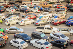 Bangkok, Thaïlande - 8 mars 2017 : Secteur extérieur de parking tout près Image libre de droits