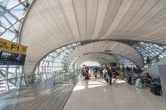BANGKOK, THAÏLANDE - 29 NOVEMBRE 2016 : Aéroport de Suvarnabhumi à Bangkok, Thaïlande Portes de départ Image stock