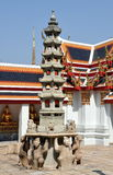 Bangkok, Thaïlande : Pagoda chez Wat Pho Photo libre de droits