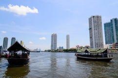 Bangkok Thaïlande : Rivière et ville Images libres de droits