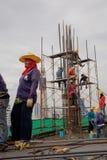 Bangkok thailändsk arbetare i en byggnadsplats Fotografering för Bildbyråer