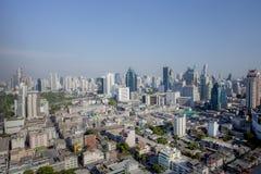 BANGKOK THAILAND - 21 APRIL: de luchtmening van wolkenkrabber hoort binnen Stock Fotografie