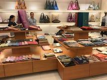 BANGKOK, THAILAND - 16. APRIL 2018: Jim Thompson-Geschäft in seinem Haus offen für Touristen stockfotografie
