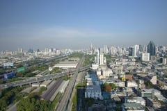 BANGKOK THAILAND - 21 APRIL: luchtmening van de wolkenkrabber van Bangkok Royalty-vrije Stock Afbeeldingen
