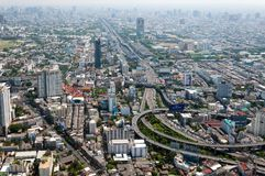 BANGKOK, THAILAND - APRIL 21, 2017: Opstoppingen in de ochtend, hoogste mening, panaramic mening Royalty-vrije Stock Fotografie