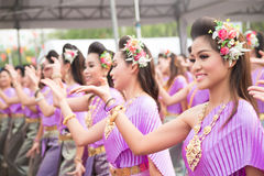 Bangkok, Thailand - April 12, 2015: Unidentified dancer performs Royalty Free Stock Images