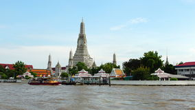 BANGKOK, THAILAND - August 19 st: Tourists approach Wat Arun by boat on the Chao Phraya River in Bangkok, Thailand on August 19st,. 2017 stock video footage
