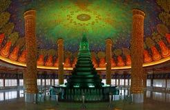 Bangkok Thailand: Am 2. August 2015: Wat Paknam Bhasi Charoen The-Smaragdgrünpagode Lizenzfreie Stockbilder