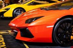 BANGKOK THAILAND - AUGUSTI 7: Nya Lamborghini visas på Siam Paragon på Augusti 7,2015 i Bangkok, Thailand arkivfoto