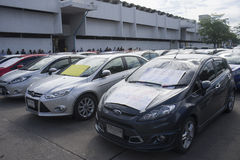 Bangkok, Thailand: 31 augustus, 2016 - de de autogebruiker van de doorwaadbare plaats in Thailand krijgt een flits menigte bij de Stock Foto
