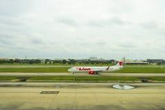Bangkok, Thailand - Augustus 19, 2018: Luchtbus 320 Thailionair, de goedkope luchtvaartlijn van Thailand kwam in Don Mueang Inter stock fotografie