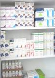 Bangkok, Thailand, 23,2012 Augustus, veelvoudige pakketten van vloeibare drug i Stock Foto