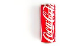 Bangkok, Thailand Coca-Cola am 27. Januar/2017 kann auf weißem Hintergrund Lizenzfreie Stockfotos