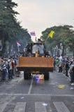 Bangkok/Thailand - 12 02 2013: De protesteerdersrel en neemt Metropolitaans HK van het Politiehuis Royalty-vrije Stock Fotografie