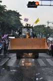 Bangkok/Thailand - 12 02 2013: De protesteerdersrel en neemt Metropolitaans HK van het Politiehuis Royalty-vrije Stock Foto