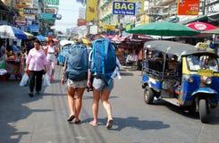 Bangkok, Thailand: De Weg van Khao San Royalty-vrije Stock Afbeelding