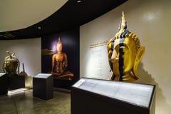 BANGKOK THAILAND - DEC 18: Den guld- Buddha, Phra Buddha Maha Royaltyfri Fotografi