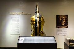 BANGKOK THAILAND - DEC 18: Den guld- Buddha, Phra Buddha Maha Arkivbild
