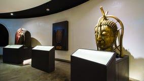 BANGKOK THAILAND - DEC 18: Den guld- Buddha, Phra Buddha Maha Arkivfoton