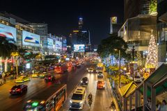 BANGKOK, THAILAND - December 24, 2017: Big C supercenter, in the opposite of Central World, on Ratchadamri road. Ar traffic near the Big C suppercenter Stock Photos