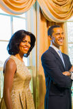 BANGKOK THAILAND - DECEMBER 19: En waxwork av Barack och Michell arkivbilder