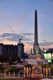 Bangkok THAILAND - December 27: 2014 Nattsikten Victory Monument är en stor militär monument i Bangkok på December 27: 2014 I Arkivfoto