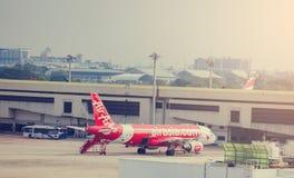 BANGKOK-THAILAND-DECEMBER 7, 2018: Samolot Lotnicza Azja linia lotnicza zdjęcia stock