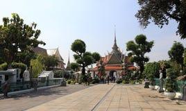 BANGKOK THAILAND - December 15, 2014: Wat Arun (tempel av gryning) Arkivbild