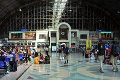 Bangkok Thailand: Den Hua Lamphong järnvägen posterar royaltyfria foton