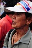 Bangkok/Thailand - 11 24 2012: Det thailändska folket protesterar mot gouvernmenten på den kungliga plazaen Fotografering för Bildbyråer