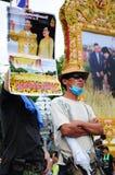 Bangkok/Thailand - 11 24 2012: Det thailändska folket protesterar mot gouvernmenten på den kungliga plazaen Royaltyfri Fotografi
