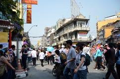 BANGKOK, THAILAND - 9. DEZEMBER: Protestierender halten eine regierungsfeindliche Sammlung Stockfotografie