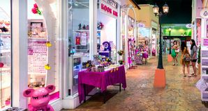 BANGKOK, THAILAND - 16. DEZEMBER: Unabhängige Shops im boutiq stockfoto