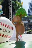 Bangkok, Thailand: Am 3. Dezember 2017 Weihnachtsdekoration mit Weihnachtsbaum, Santa Claus Sculpture, Ren und anderer Karikatur Lizenzfreies Stockbild
