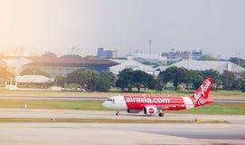 BANGKOK-THAILAND- 7 DICEMBRE 2018: Aeroplano della linea aerea di Air Asia fotografie stock libere da diritti
