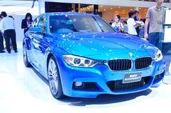 BANGKOK THAILAND - FÖRDÄRVA 30: Hybrid- bil 3 för BMW aktiv som visas på royaltyfri fotografi