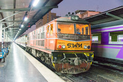 Bangkok, Thailand. - Feb 11 2015: A train waits at a platform at Royalty Free Stock Photos