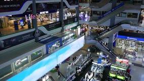 Bangkok, Thailand - 18 het plein van Pantip van December 2018 Van bovengenoemde mening van verbazende eigentijdse moderne wandelg stock video